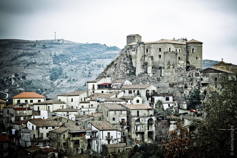 Oriolo Calabro, castle and town